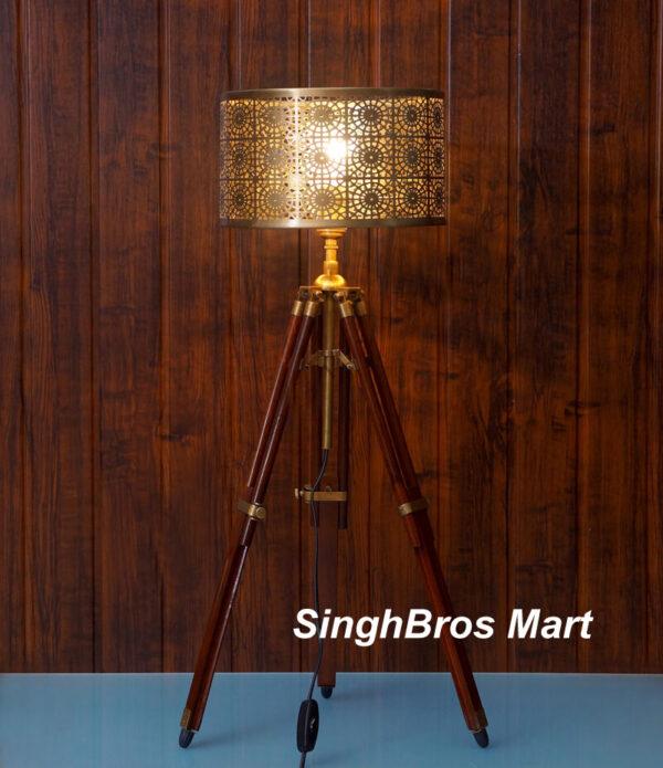 Nautical tripod lamp